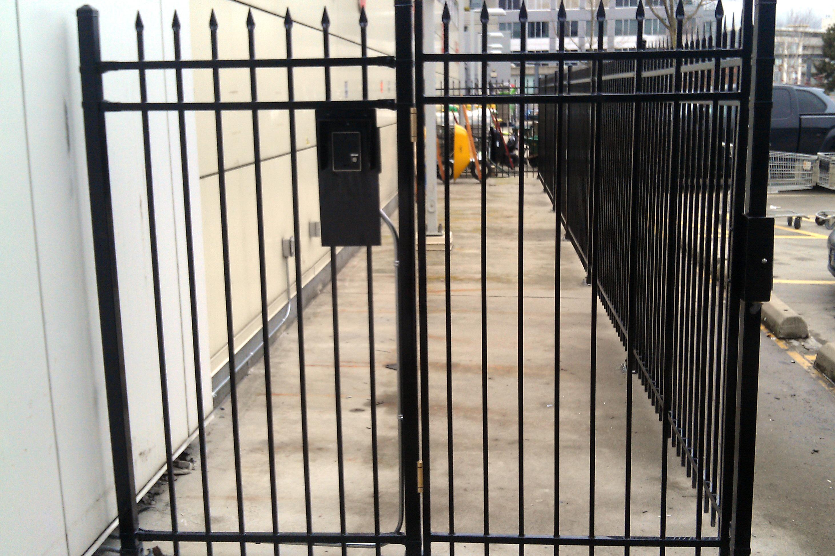 Automatic gate electronic entrance house door